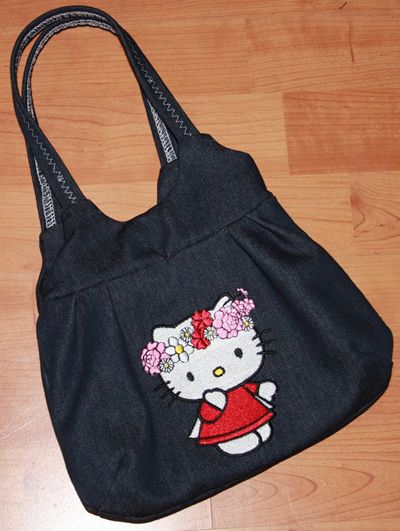 hello kitty bag digitized with embroidery